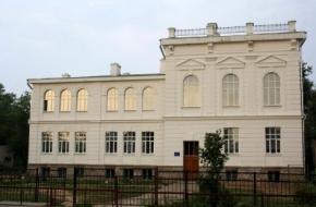 Выпускники прошлых лет, одной из лихославльских школ, пожаловались на «полное невнимание» к себе
