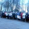 В Спирово прошел митинг с требованием отставки местной власти
