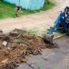 В поселке Калашниково начался ремонт придомовой территории самого большого дома