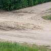 Ремонт водопровода для жителей Калашниково обернулся непроходимыми «баррикадами» на дороге
