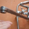 Жителям Калашниково в очередной раз без предупреждения отключили воду и отопление