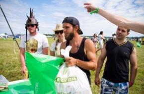 За три дня с музыкального фестиваля «Нашествие» было вывезено 450 тонн мусора