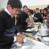 Лихославльские школьники попробовали себя в роли поваров японских блюд