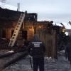 Следователи начали выяснять причины страшного пожара в Спирово, унесшего жизни шести человек