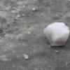 Коммунальщики чистившие крышу дома от снега сбросили глыбу льда на 11-летнюю девочку