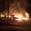 В Торжокском районе сгорел жилой дом. В огне погиб пенсионер и серьезно пострадала молодая девушка (фото)