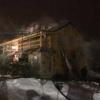 В деревне под Торжком 4 пожарных расчета пять часов тушили шикарную баню (фото)