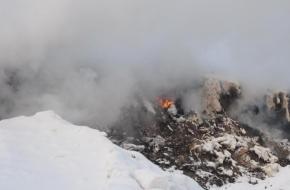 СМИ сообщили, что после закрытия свалки под Лихославлем мусор начали возить и сжигать в районе Калашниково