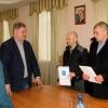 В Торжке наградили мужчин, которые спасли двоих детей с дрейфующей льдины