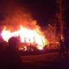 В поселке Калашниково за один вечер сгорели шесть домов и сараев (фото и видео)