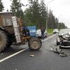В Торжокском районе водитель иномарки «догнал» трактор (фото)