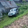 В Спирово водитель «Нивы» влетел в забор и сарай (фото)