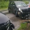 Под Торжком водитель иномарки не справился с управлением и врезался в легковушку (фото)