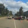 В Торжке автоледи на «Калине» врезалась в бетонный блок и перевернулась (фото)