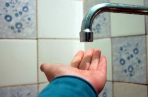 Из-за долгов коммунальщиков почти 7,5 тысяч жителей Торжка уже несколько дней сидят без горячей воды