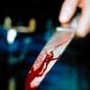 В Спирово мужчина с кулаками полез на соседа и получил ножом в живот