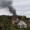 Огонь полностью уничтожил жилой дом в поселке Калашниково (фото, видео)