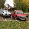 В центре Лихославля «жигули» не поделили дорогу с иномаркой. Три человека в больнице (фото)