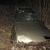 В Калашниково пьяный молодой парень без прав вылетел с дороги, перевернулся и сбежал с места ДТП, бросив раненую 16-летнюю девушку в машине (фото)