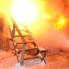 В Лихославле из-за неосторожного обращения с огнем сгорели хозпостройки (фото)