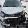 В Спирово женщина за рулем легковушки протаранила встречную машину, есть пострадавшие (фото)