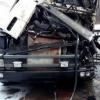 Под Торжком два грузовика не смогли разъехаться на дороге