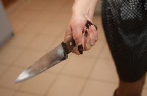 В Калашниково женщина с ножом набросилась на троих человек: один убит, один ранен
