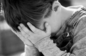 В Тверской области учитель начальной школы систематически бьет детей головой об стол