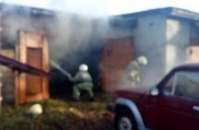 В Торжке два пожарных расчета тушили пожар на площади в 1 квадратный метр (фото)