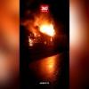 В поселке Калашниково сгорел еще один заброшенный многоквартирный дом (видео)