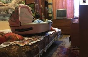 В Тверской области мать подушкой задушила свою 4-месячную дочь и пыталась перерезать себе вены и горло