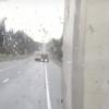 На дорогах Тверской области сильный гололед, на трассе фуры раскорячились по всей дороге (видео)