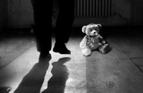 В Тверской области отец-извращенец надругался над собственной дочерью и малолетней родственницей