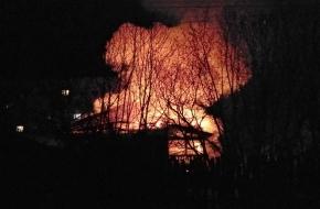 В поселке Калашниково сгорел жилой дом (фото)