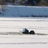 На Медведице под лед провалился трактор, два человека утонули (фото)