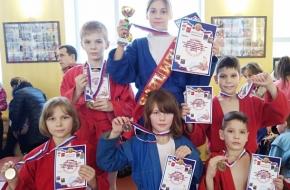 Калашниковские борцы завоевали 6 наград на межрегиональных соревнованиях по самбо