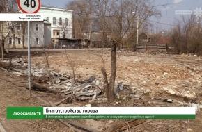 В Лихославле проводятся масштабные работы по сносу ветхих и аварийных зданий (видео)