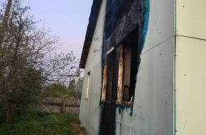 В Спирово в жилом доме сгорели двое мужчин