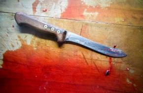Житель Лихославльского района трижды ударил ножом мужчину в горло