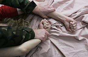 В Лихославльском районе несовершеннолетнюю развратили и дважды изнасиловали
