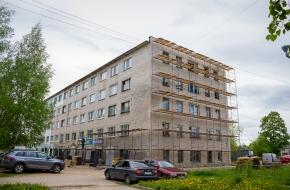 В городе Лихославле и поселке Калашниково продолжается капитальный ремонт многоквартирных домов (фото)