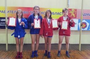 Золото, серебро и бронза регионального турнира по самбо в копилке лихославльских спортсменов