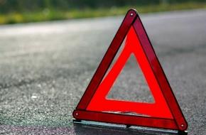 В Лихославльском районе легковушка и трактор не смогли разъехаться на дороге