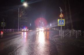 В Лихославле на пешеходном переходе сбили женщину, пострадавшая в тяжелом состоянии (фото)