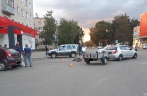 Появились подробности и фото с места столкновения ребенка с машиной в Лихославле (фото)