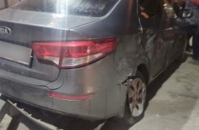 В Лихославле «лихой» таксист протаранил стоявшую на парковке иномарку (фото)