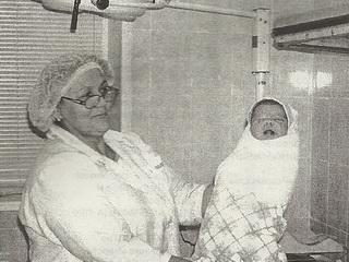 Для нее счастье — взять первой в руки новорожденного