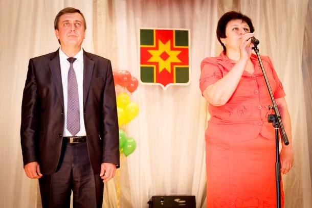 Глава района В. В. Гайденков и глава администрации района Н. Н. Виноградова. Фото: kalashnikovo.ru