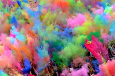 Фестиваль красок «Холи». Фото: vk.com/holli_lihoslavl