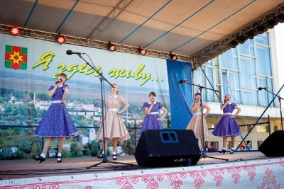 Празднование Дня Лихославльского района и дня города Лихославля, 12 июня 2015 года. Фото: kalashnikovo.ru